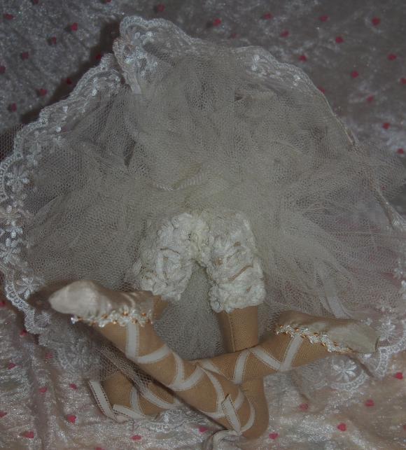 http://nathy.cowblog.fr/images/falco/accessoiresdemaisonpoupeedanseusestyletildapour19854294p1060221jpg5cc3a83048ebig.jpg