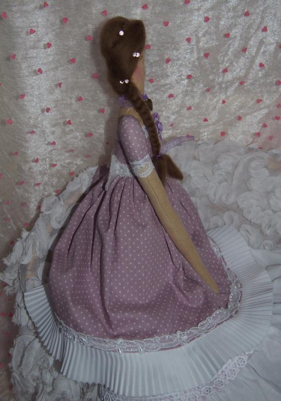 http://nathy.cowblog.fr/images/tilda1/accessoiresdemaisonpoupeetissustyletildapourdec20103269p2070055jpg85805big.jpg